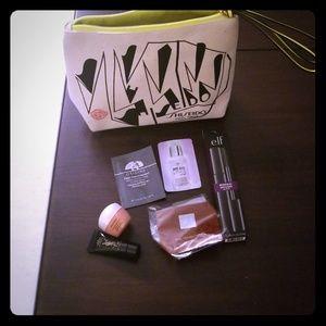 Shiseido Cosmetic Bag w Travel Size Goodies